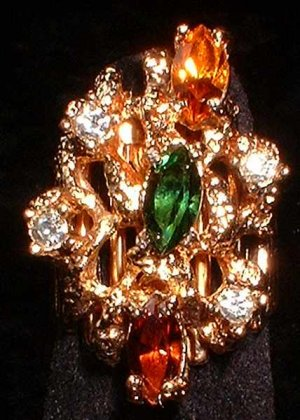 Vintage Gold Nugget Cocktail Ring Glass w Rhinestones   7022
