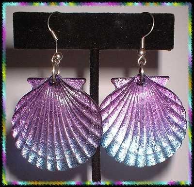 Vintage Lucite Earrings Sea Shells Purple Blue Scallops 8862