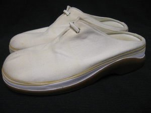 White Canvas CLARKS Mules Tennis Shoes 8 M