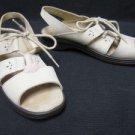 Ivory Nubuck CLARKS SPRINGERS Tie Sandals Shoes 7 M