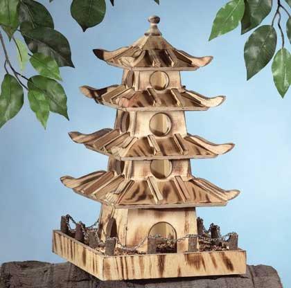 31562 Wood Pagoda House Birdfeeder