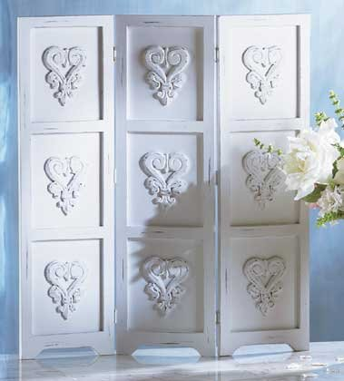 33131 Distressed White Wood Screen