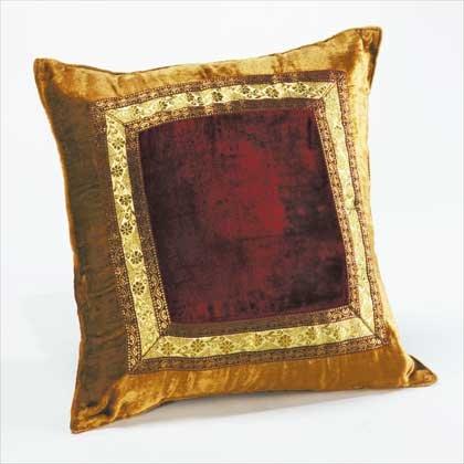 34053 Square Velvet Pillow