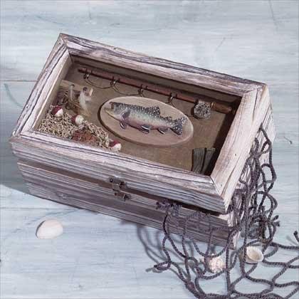 33176 Wood Fishing Shadowbox