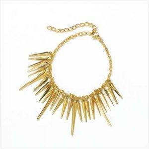 37670 Gold Spear Bracelet