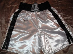 MUHAMMED ALI    signed      AUTOGRAPHED   boxing   TRUNKS        *proof