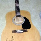 TAYLOR SWIFT  signed  AUTOGRAPHED  new  GUITAR