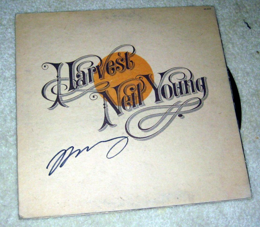 NEIL YOUNG    autographed   SIGNED  # 1   RECORD     album     * Proof
