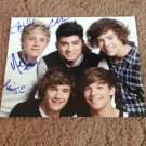 ONE DIRICTION   signed AUTOGRAPHED  group  8x10  photo