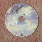 TAYLOR SWIFT  autographed SIGNED 1989  Cd !