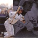 1999 Upper Deck Challengers for 70 #33 Larry Walker ( Baseball Cards )