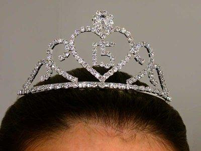 QUINCEA�ERA Jeweled Tiara