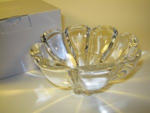 Mikasa Zinnia Crystal Bowl Made in Austria