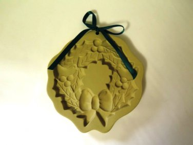 Brown Bag Cookie Art Mold Holly Wreath 1988
