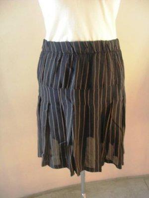 Black mini striped pleated skirt sz 3