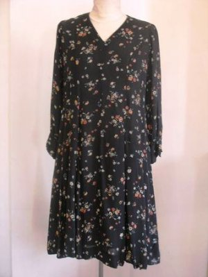 Black floral V neck 3/4 sleeves knitted dress sz S