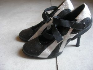 MILANO womens black strap heels pumps 37