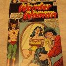 Wonder Woman #221 (Dec 1975-Jan 1976, DC)