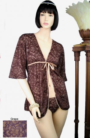 Belabumbum Fleur Lace Short Fully Lined Wrap Robe M/L (Grape)