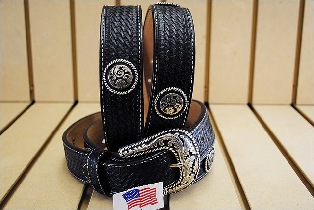 34 inch JUSTIN ROUND EM UP TOOLED WESTERN LEATHER BELT BLACK MADE IN THE USA