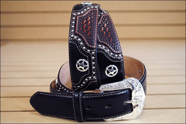46 inch JUSTIN TEXAS ALL STAR TOOLED WESTERN LEATHER MEN BELT BLACK STAR CONCHO