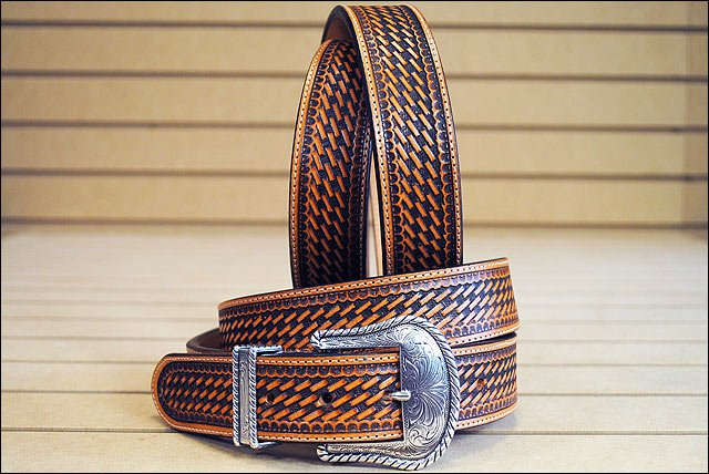34in. JUSTIN TOOLED WESTERN LEATHER MEN BELT BROWN W/ SILVER ENGRAVED BUCKLE
