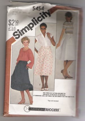 Misses' Back-Wrap Skirts in Two Lengths Simplicity #5454 Sewing Pattern