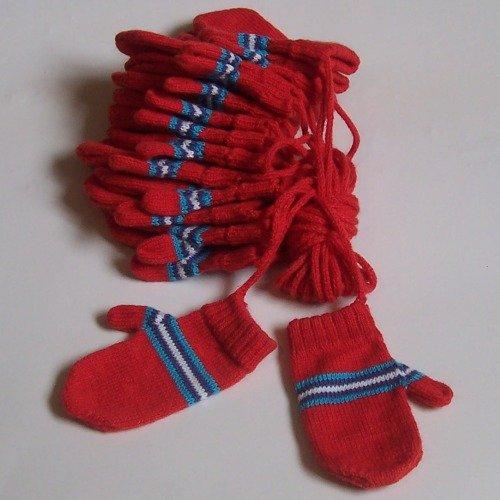 Lot of 10 Gloves for children