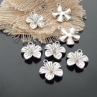 Lot of 20pcs mini Silver Flower dollhouse miniature toy/jewelry bracelet  metal alloy Charm B2