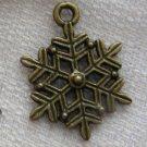 Lot of 500pcs mini Snowflake dollhouse miniature toy/jewelry Charm CM841