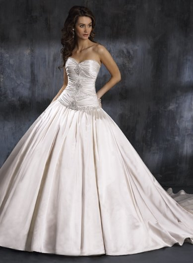 Free Shipping!!Luxuriant Sweetheart Neckline/Ball Gown/wedding dress YY019