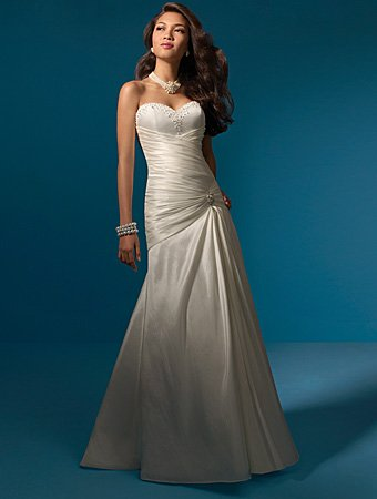 Delicate/Strapless/Sweetheart/Neckline/A-Line/Taffeta/with Beadings/Bridal Gown/AA046