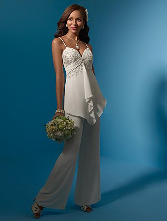 Acctractive/Spaghetti Strap/Sweetheart Neckline/Bridal Gown/AA048