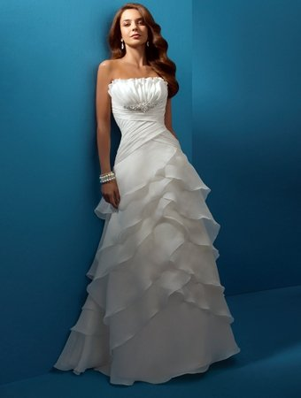 Exquisite/Strapless/Chiffon/with Brooch/A-Line/Princess/Floor Length/Wedding Dress/AA141
