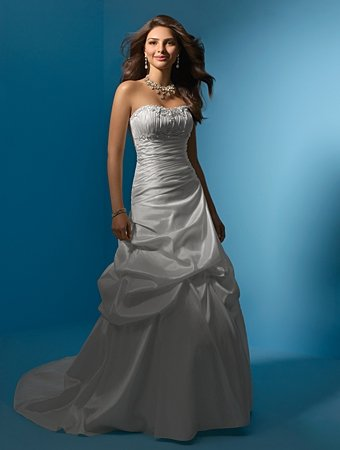Delicate/Strapless/Gathered/Taffeta with Appliques/A-Line/Princess/Floor Length/Bridal Gown/AA147
