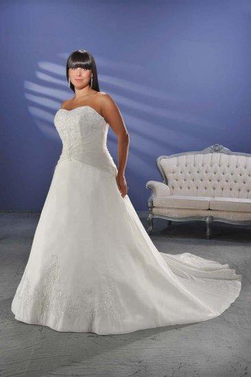 Graceful/Strapless/Satin/A-Line/Princess/Floor Length/plus size/Wedding Dress/PS005