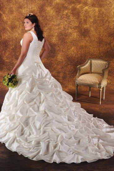 Acctractive/Taffeta/Sweetheart Neckline/A-Line/Princess/plus size/Wedding Dress/PS029