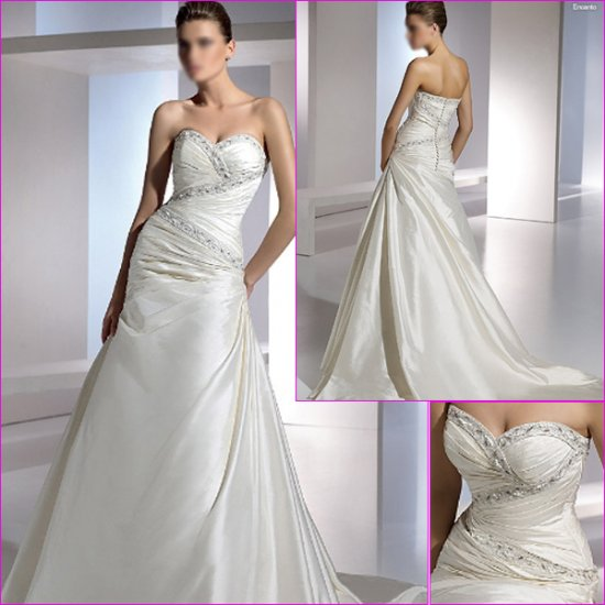 Free Shipping/2011 New arrival/A-line/Sweatheart/Satin/Chapel train/Wedding Dress/A1095