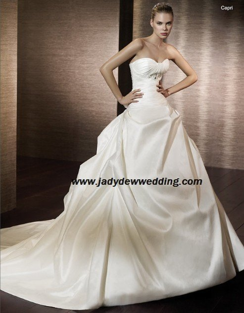 Free Shipping/2011 New arrival/A-line/Strapless/Satin/Chapel train/Wedding Dress/A1178