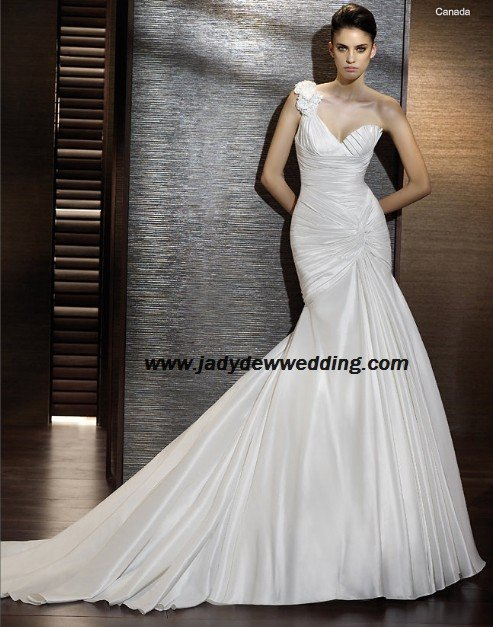Free Shipping/2011 New arrival/Mermaid/One-Shoulder/Satin/Chapel  train/Wedding Dress/A1175