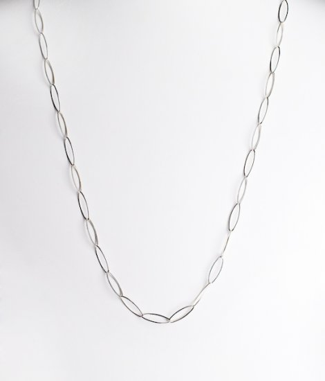 Ofina Delicate Oval Link Sterling Necklace