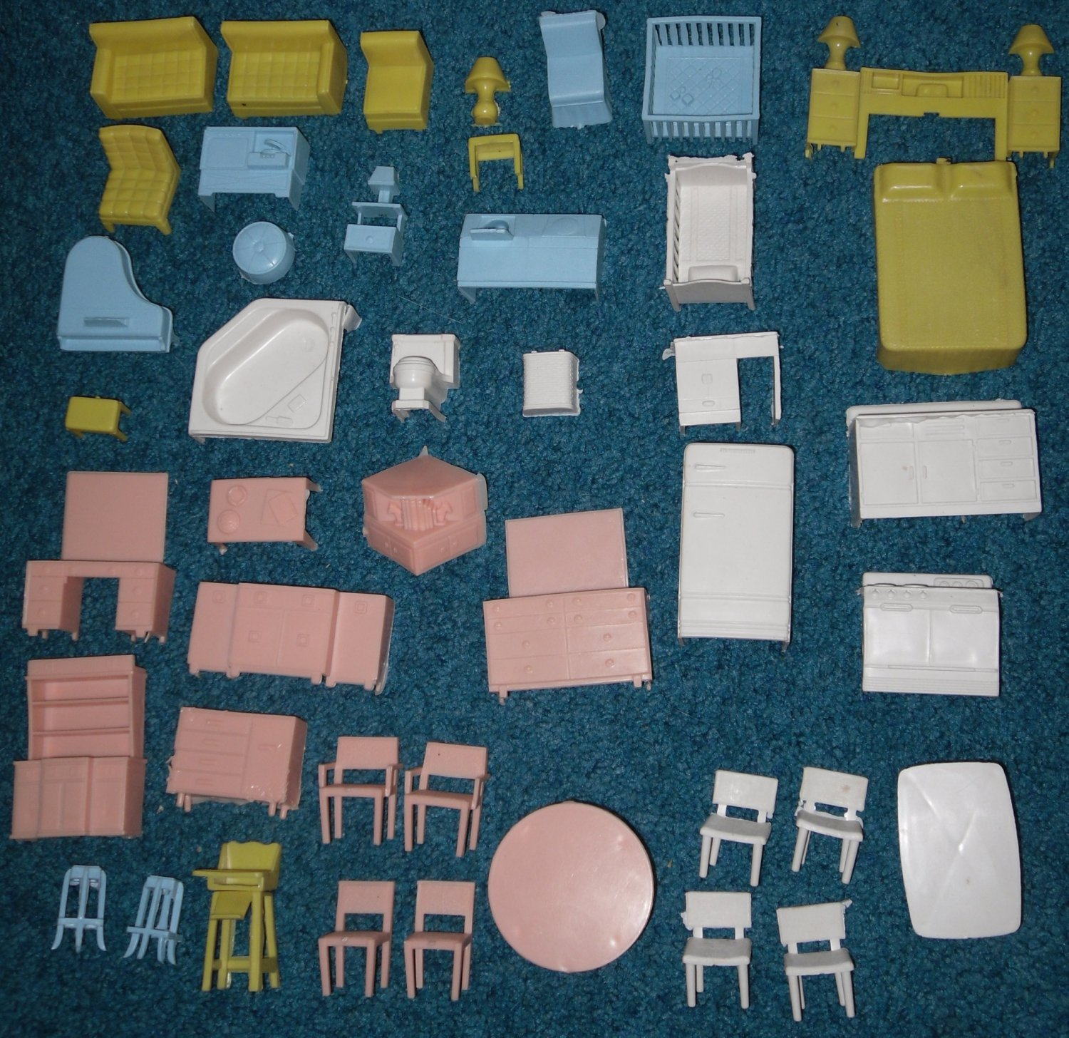 Superior Dollhouse Furniture 44 Doll House Pieces Vintage