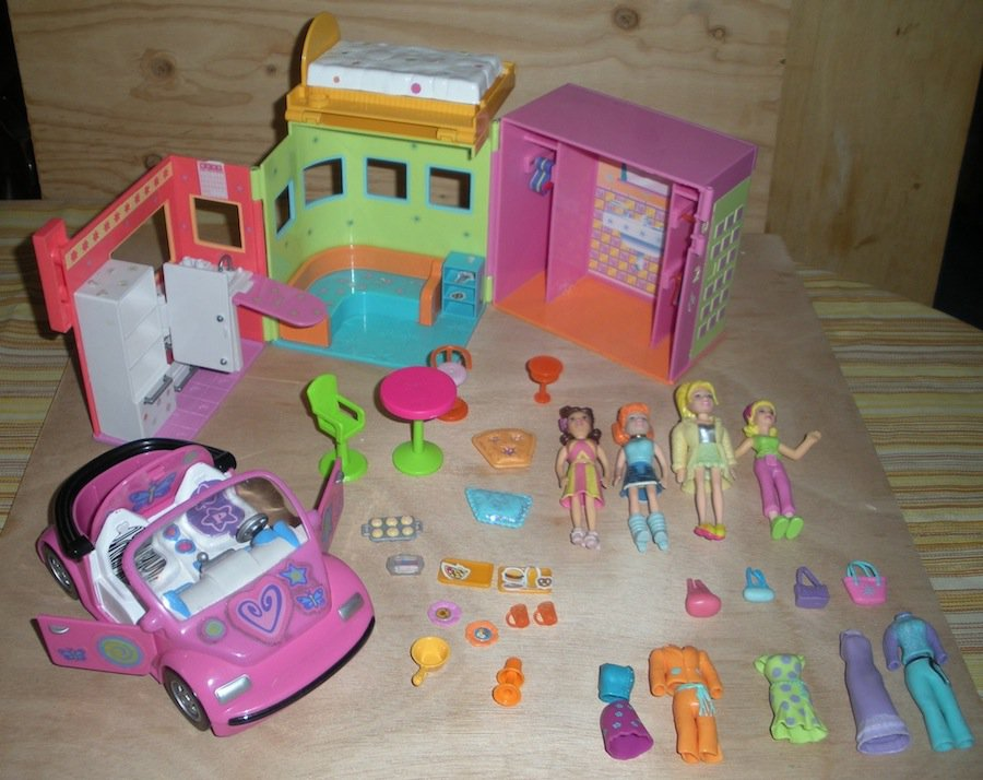 Polly Pocket Dolls Apartment House Clothes