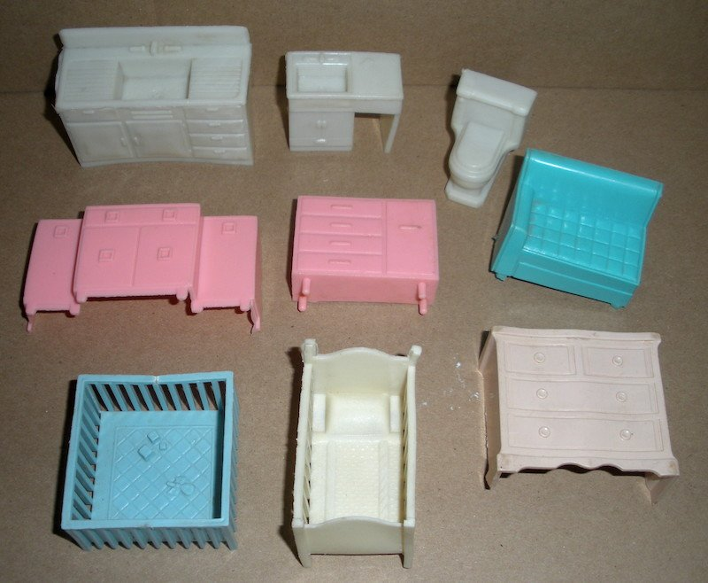 Dollhouse Furniture by Superior fits with Marx