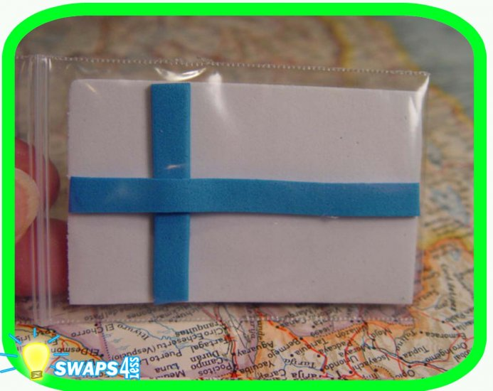 Finland Flag Scout SWAPS Girl Craft Kit - Swaps4Less