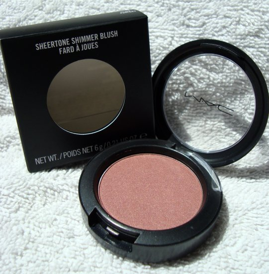 "MAC Sheertone Shimmer ""Plum Foolery"" Blush"