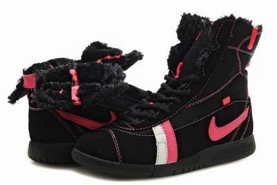 Nike Carpenterworm-Black and Pink-118234