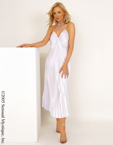 Satin pleated long gown.80062
