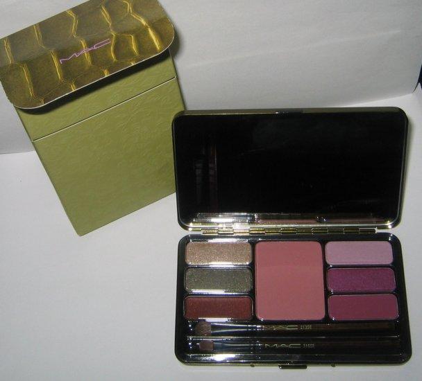 MAC - Indulgence: 7 Face Eye Shadow Palette - BNIB