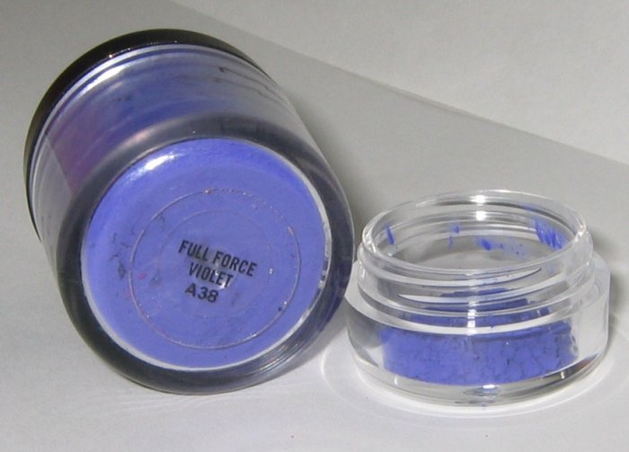 MAC - Full Force Violet 1/4 tsp Pigment Sample